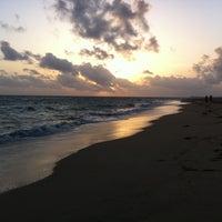 Снимок сделан в Ocean Park Beach пользователем Kristin O. 7/22/2011