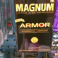 Photo taken at Giant Eagle Supermarket by Andy V. on 8/26/2012