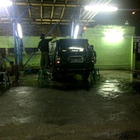 Photo taken at Cuci Mobil 24 Jam by Raden Mas S. on 9/11/2011
