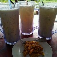 Photo taken at Barista Inn @ Tanjung Labuh by WENDY W. on 10/2/2011