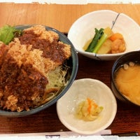 Photo taken at OOTOYA (โอโตยะ) 大戸屋 by Bert Y. on 12/29/2011