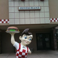 Photo taken at Frisch's Big Boy by Amy H. on 4/24/2011