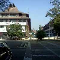 Photo taken at Institut Teknologi Bandung (ITB) by Andre A. on 8/16/2012
