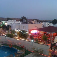 8/28/2012 tarihinde Uğur D.ziyaretçi tarafından Gümbet Barlar Sokağı'de çekilen fotoğraf