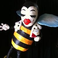 2/8/2011 tarihinde Phelan R.ziyaretçi tarafından Queen Bee's Art & Cultural Center'de çekilen fotoğraf