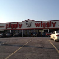 Photo taken at Piggly Wiggly by Earl B. on 6/28/2012
