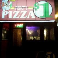 Das Foto wurde bei Percy's Pizza von Michael💩💩💩 L. am 4/8/2012 aufgenommen