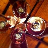 Foto tirada no(a) Champanharia Ovelha Negra por Andreya P. em 1/13/2012