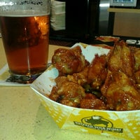 Photo taken at Buffalo Wild Wings by Steven Z. on 12/7/2011