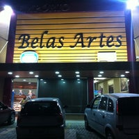 Foto tirada no(a) Empório Belas Artes por Guilherme M. em 8/4/2011