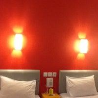 Photo taken at Amaris Hotel Pemuda - Semarang by Eshape B. on 2/16/2012