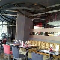 Foto tomada en Restaurante Lakasa por César R. el 1/26/2012
