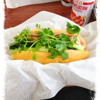 Foto tomada en Nhu Lan Bakery por Leticia G. el 4/30/2012