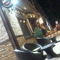 Foto tomada en The New Coffee por Ricardo L. el 9/12/2011