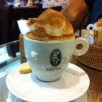 Foto tirada no(a) Café Baroni por Valeria D. em 7/23/2012