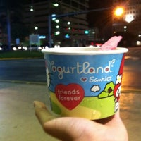 Photo taken at Yogurtland by Ita D. on 8/21/2011
