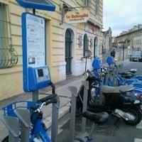 Photo taken at Vélo Bleu (Station No. 84) by Iarla B. on 2/28/2012