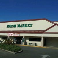 Photo taken at The Fresh Market by Ganesh V. on 11/13/2011