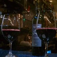 Foto tomada en Carpe Diem Wine Bar por Amorette P. el 1/30/2012