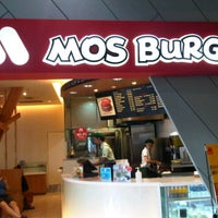Photo taken at MOS Burger by Lucky N. on 4/7/2012