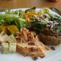 Photo taken at Bambaras Bar e Restaurante by Paulo R. on 4/3/2012