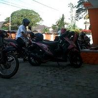 Photo taken at Kantor Pos Gorontalo 96100 by Iskandar D. on 10/4/2011