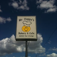 Photo taken at Mr. Happy's Bakery & Cafe by Bri-cycle on 8/25/2011