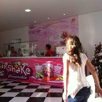 Photo taken at Milkshake & Companhia by Nilson A. on 11/26/2011