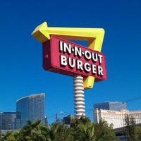 Photo taken at In-N-Out Burger by Donna L. on 10/23/2011