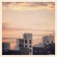 Foto tirada no(a) Bolognesi, Miraflores por Cheko A. em 6/24/2012