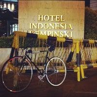 Photo taken at Hotel Indonesia Kempinski Jakarta by Stefanus S. on 3/23/2012