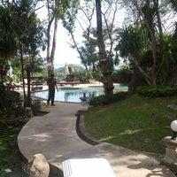 Photo taken at Fair House Beach Resort & Hotel by Itsara P. on 12/30/2011
