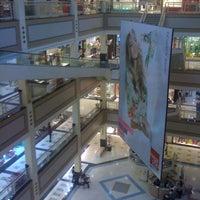 Foto tirada no(a) Mega Polo Moda por Lucila A. em 10/11/2011