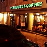 Das Foto wurde bei Starbucks von Erdem K. am 12/9/2011 aufgenommen