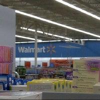 Foto diambil di Walmart Supercenter oleh Shalon H. pada 11/13/2011