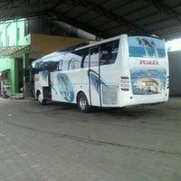 Photo taken at Terminal Bus Pusaka & Anugerah by Aulia Fahrozi K. on 8/13/2011