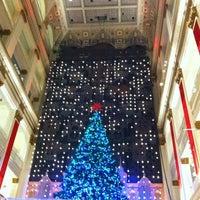 Das Foto wurde bei Macy's von Tre am 12/18/2011 aufgenommen
