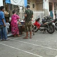 Das Foto wurde bei lapangan grindo von Hadi B. am 7/24/2012 aufgenommen