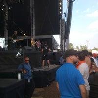 Photo taken at Dave Matthews Band Caravan At Lakeside by jenn n. on 7/10/2011