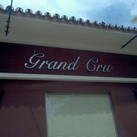 Photo taken at Grand Cru by Heitor S. on 9/16/2011