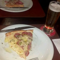 Photo taken at Pizza Cesar by Weslei Santos M. on 10/11/2011
