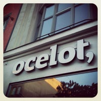 Photo prise au ocelot, not just another bookstore par Katja S. le8/13/2012