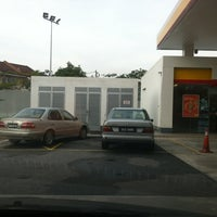 Photo taken at Shell Bandar Kinrara 5B by Afif R. on 12/21/2011