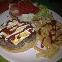 Foto tomada en Restaurante Bar Baja Fiesta por Eduardo A. el 7/5/2012