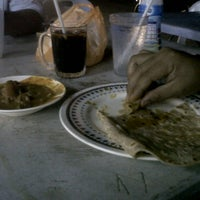 Photo taken at Restoren Sah Maju (Mamak) by Amri M. on 3/22/2012