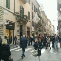 Foto scattata a Via dei Condotti da Nikos D. il 1/5/2012