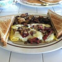 Photo taken at The Gazebo Restaurant by Damon on 9/10/2012