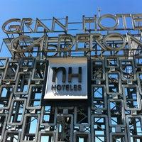 4/29/2012 tarihinde Sarahziyaretçi tarafından NH Gran Hotel Calderón'de çekilen fotoğraf