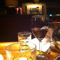 Foto scattata a Hillstone Restaurant da Mike G. il 7/2/2011