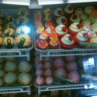 Photo taken at Elizabethan Desserts by @SocialSweet S. on 11/3/2011